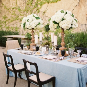 Side Courtyard Table Setting